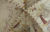 7: Panorama fra koret med de fantastiske kalkmalerier fra 1450-75.