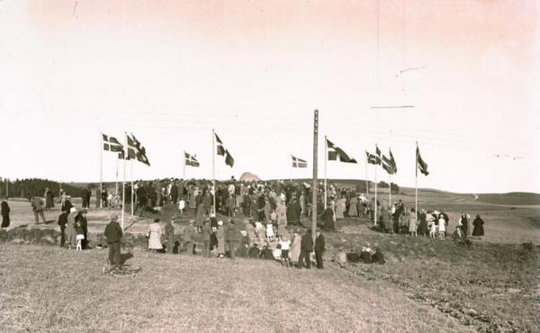12: Fra den store indvielse af mindestenen i 1933 (Ukendt fotograf).