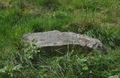 7: Randsten ved sydøstlige højfod af bronzealdergravhøjen.