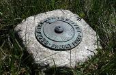 6: Geodæisk fixpunkt i højtoppen af Møgelhøj.