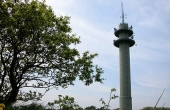 3: Det store teletårn vest for højen ses på mange kilometers afstand.
