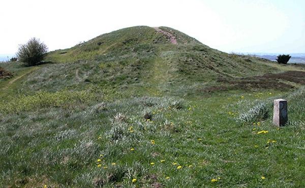 7: Bronzealdersgravhøjene repræsenterer en enorm arbejdsindsats.