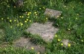 Gammel gravsted på den sydøstlige del af kirkegården.