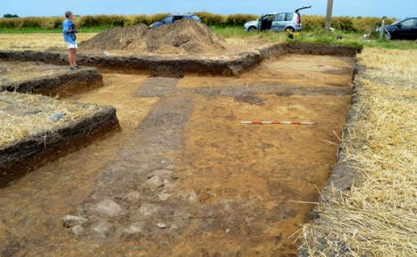 Grundrids fra kirken under 2015-udgravningerne øst for mindestenen (Foto Silkeborg Museum).