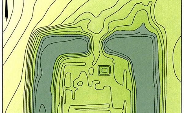 Opmålingsplan af Hagsholm Voldsted. Der er 25 cm mellem højdekurverne (Efter J. Koch 1999)