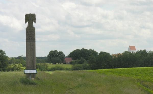 Thor Langes mindekors over slaget ved Grathe Hede på marken ved Store Gråskov.