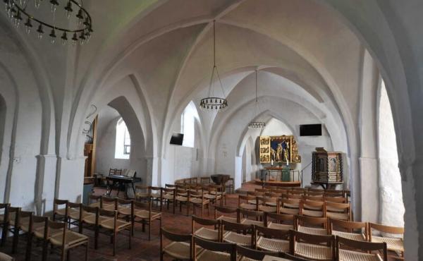 nteriør fra nutidens kirke.