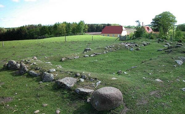 Ruintomten ved Randrup ødekirke set fra sydvest.