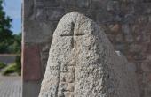 4: Runeteksten afsluttes foroven med et kristent kors.