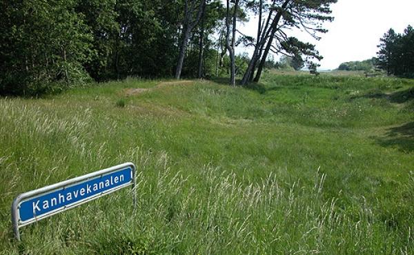 2: Kanhavekanalen øst for lande- vejen som i dag krydser vikingertidskanalen.
