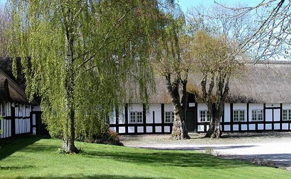 8: Rimsø præstegård. Danmarks ældste landsbypræstegård.