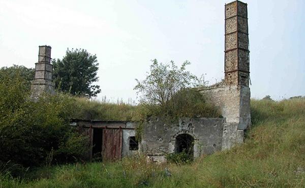 3: Området præges stadig af adskillige gamle kalkgrave og -ovne.