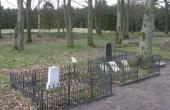 Gravsteder på Grene gl. kirkegård.