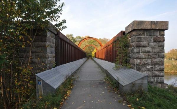 Kassebroen set fra syd. I dag fører broen Gudenåstien over åen.