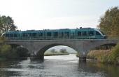 Den 3-hvælvede betonbro stod færdig i 1948 og blev fra 1952 taget i brug på den omlagte bane. Her set fra øst.